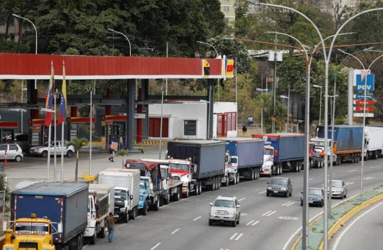 Transportistas advierten escasez generalizada por falta de gasoil