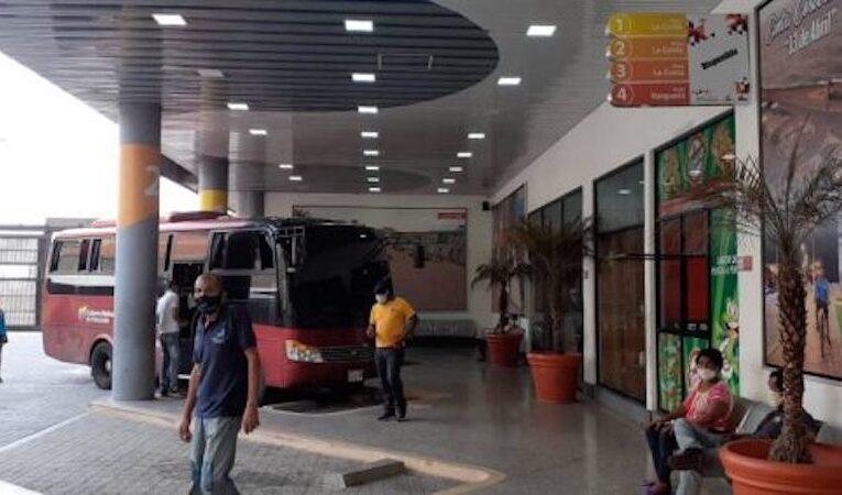 Choferes y autoridades se pondrán de acuerdo para reactivar terminal de La Guaira