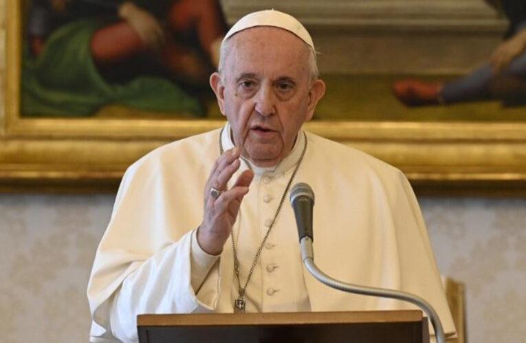 Papa Francisco denunció que las mafias están explotando la pandemia