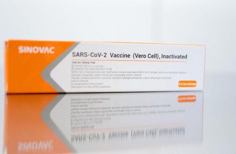 Chile donó a Ecuador 20.000 vacunas Sinovac