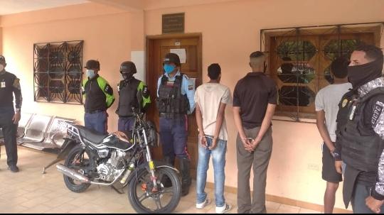 3 solicitados por homicidio detenidos en Carayaca