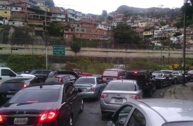 Aumentan puntos de control en Caracas