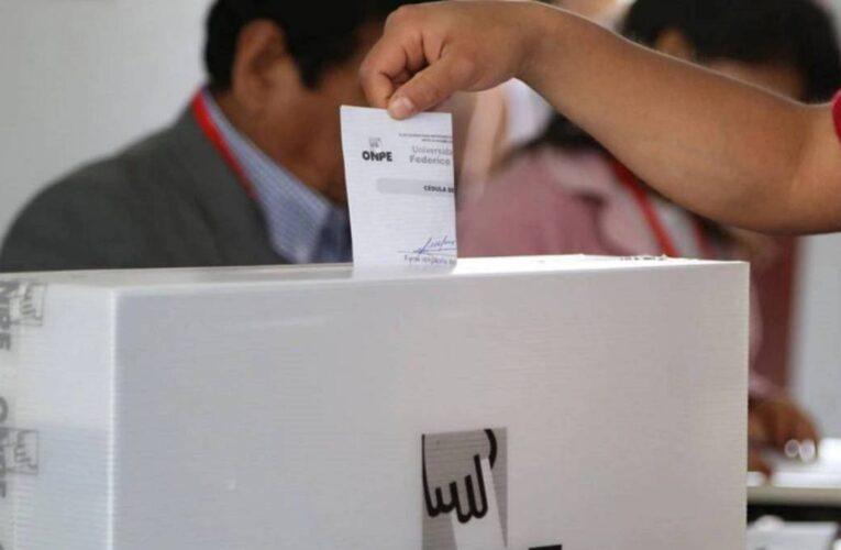 Perú acude a las urnas sin un favorito claro