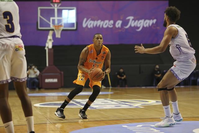 Bucaneros debutó con triunfo en la Superliga
