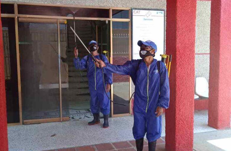 Misión Barrio Adentro está desinfectando centros de salud