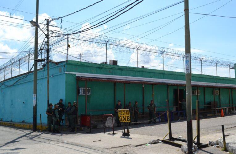 Mueren 2 reos en San Felipe al estallar granada