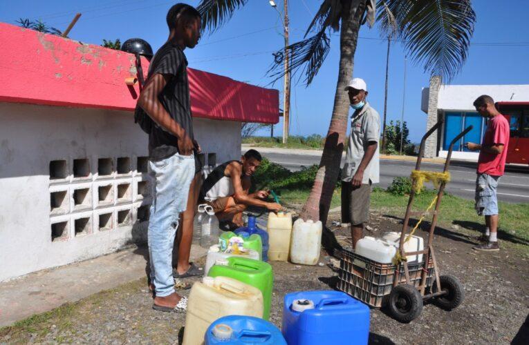 Persiste falla de agua en La Guaira