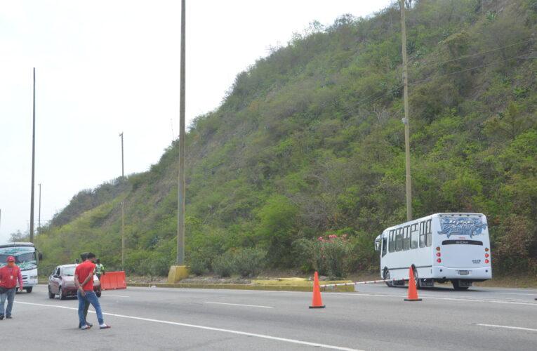 Devuelven 15 buses de La Caracas-La Guaira