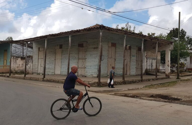 En Cuba marcan las casas de pacientes covid