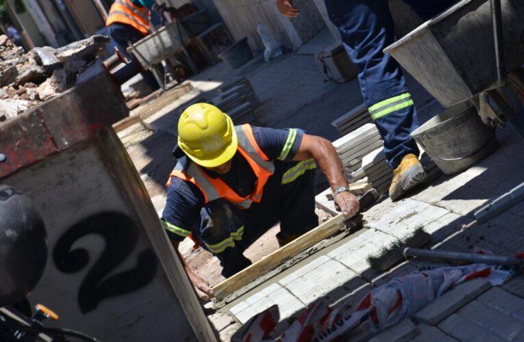 Trabajadores de la construcción exigen salario justo para salir de la hambruna