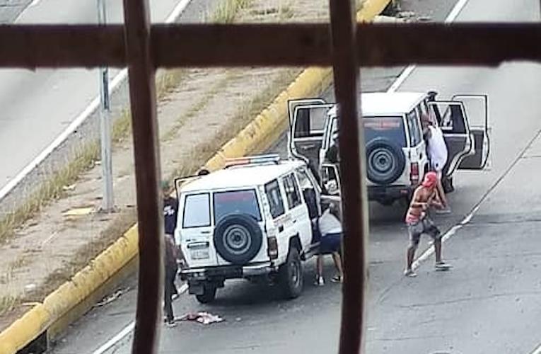 Banda de El Coqui atacó a patrullas del Cicpc en la autopista
