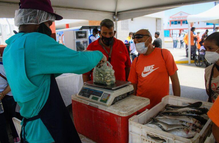 Alcaldía de Vargas realizó jornada social en Punta de Mulatos
