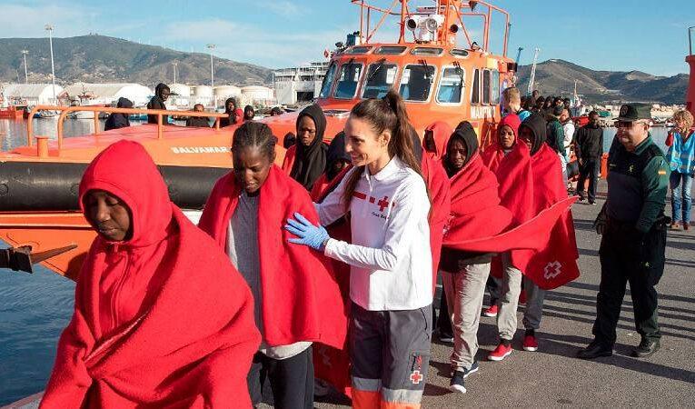 Rescatan a 166 inmigrantes cuando intentaban llegar a España