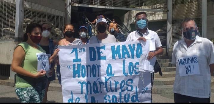 Educadores protestaron por sueldo justo y vacunas