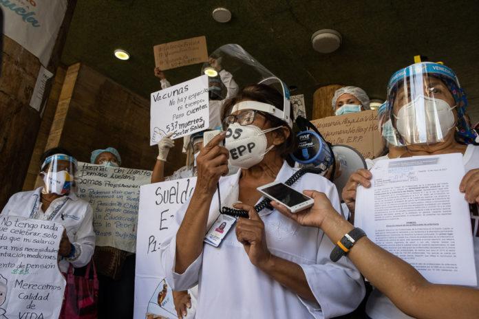 Gremio de enfermería se movilizó para exigir mejoras salariales