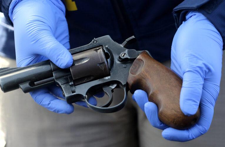 Una adolescente se mató jugando la ruleta rusa en Aragua