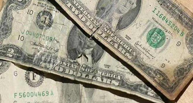 Por un dólar arrugado matan a comerciante en Catia