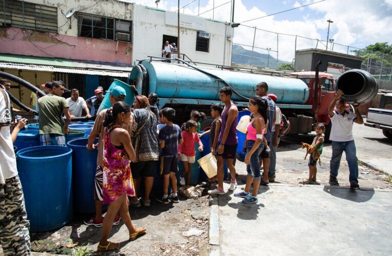 Nelson López: Las ZEE deben contar con servicios óptimos
