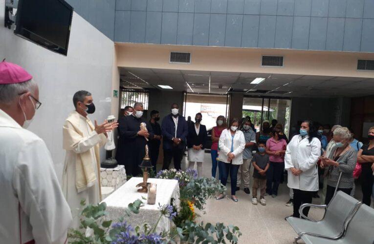 Reliquia del Beato José Gregorio Hernández llegó al Materno de Macuto