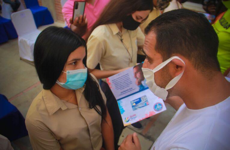 200 estudiantes recibieron beca Antonio José de Sucre