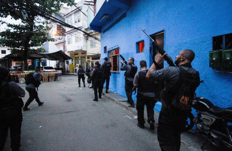Aumentan a 29 los muertos en operativo policial en favela de Río de Janeiro