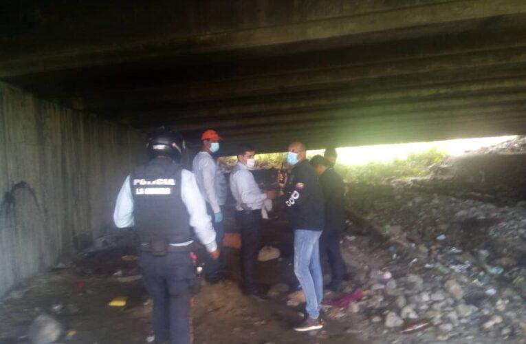 Hallan un hombre muerto debajo del puente de La Llanada