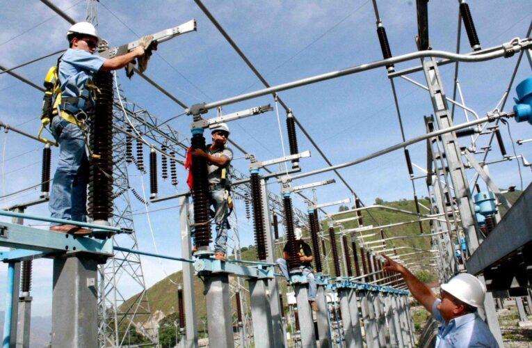 Eléctricos indignados por aumento salarial insuficiente