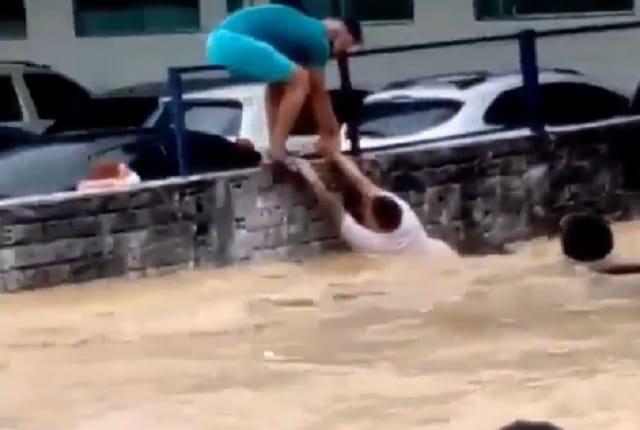 Río arrasa con refugio de venezolanos en Brasil