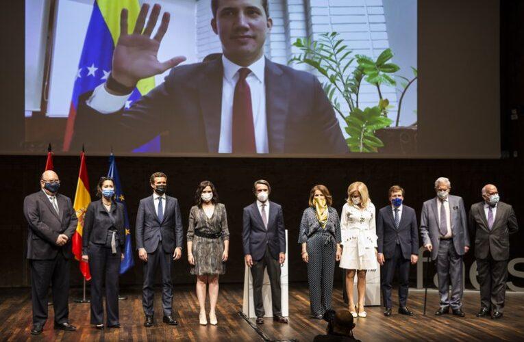 Guaidó recibió el X Premio FAES de la Libertad
