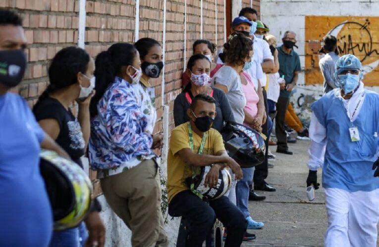 17 muertos y 832 contagios en Venezuela