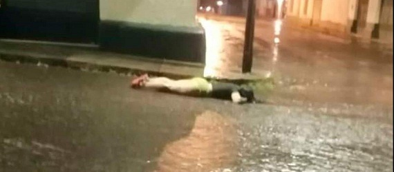 La sacaron de su peluquería y le dieron muerte en la calle