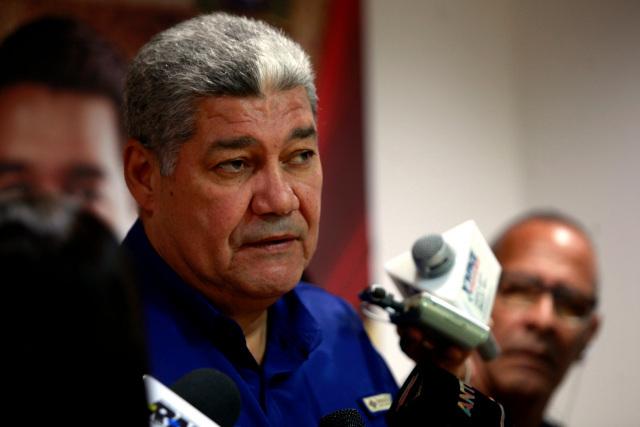 Maduro designa a Eduardo Piñate ministro de Educación