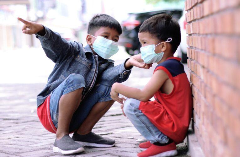 Niños con covid pueden no mostrar síntomas habituales