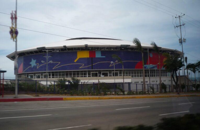 Gobernador Suárez anuncia vacunación desde este sábado en el Polideportivo