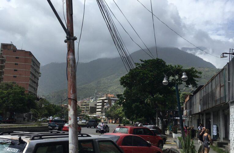 Poste a punto de caer es un riesgo en Caribe