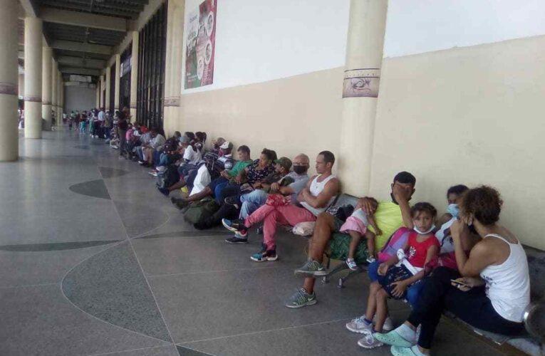 A paro indefinido la Caracas-La Guaira por tarifa y gasoil