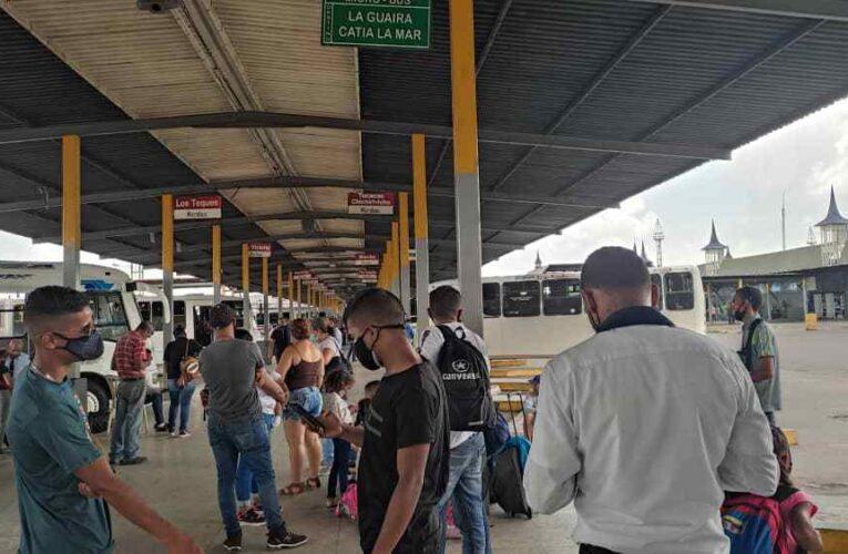 Choferes abandonan la ruta La Guaira-Valencia