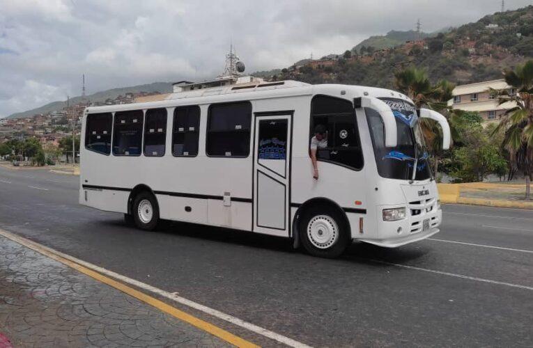 """Gasoil bachaqueado y """"mercado libre de tarifas"""" sostienen la Caracas-La Guaira"""