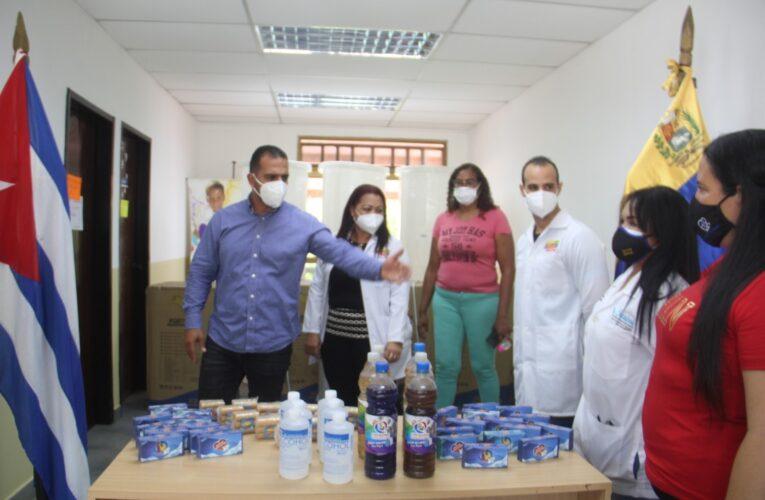 Alcaldía entrega kit de desinfección e insumos a CDI de La Guaira