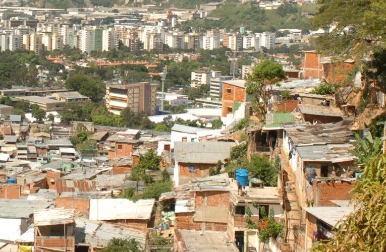 Reportan tiroteo en La Vega desde la madrugada