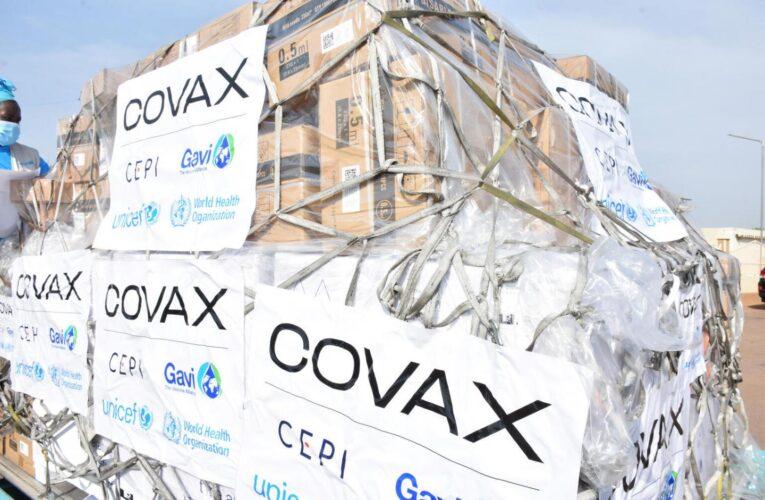 OMS pide a los laboratorios compartir el 50% de sus vacunas con el Covax