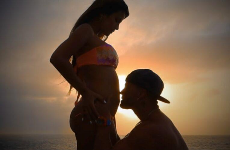 Gustavo Elis y Karlis Romero esperan su primer hijo