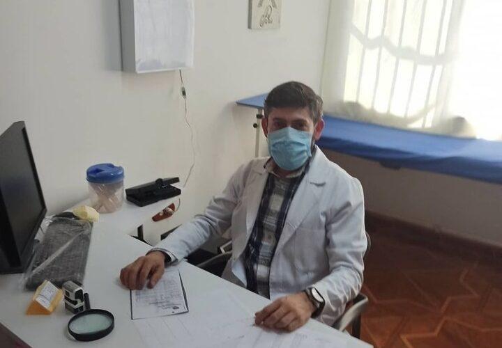 La mascarilla causa «acné mecánico» y se debe usar tapaboca de algodón