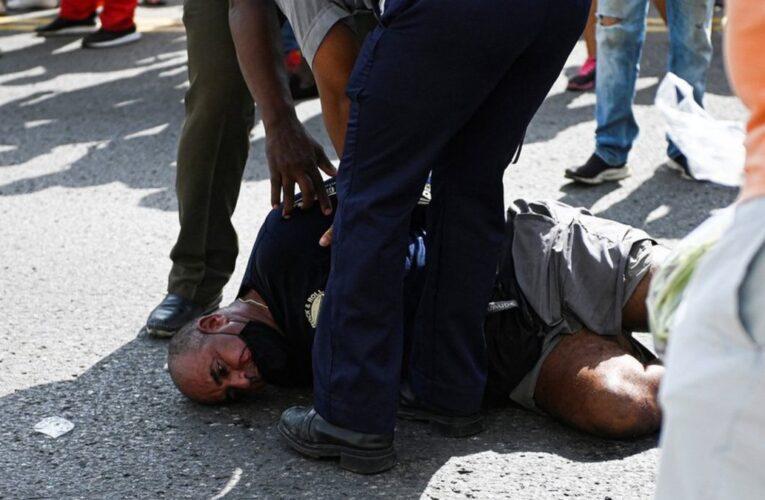 Prisión domiciliaria para algunos manifestantes cubanos