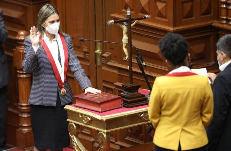 Opositores ganan dirección del Congreso en Perú