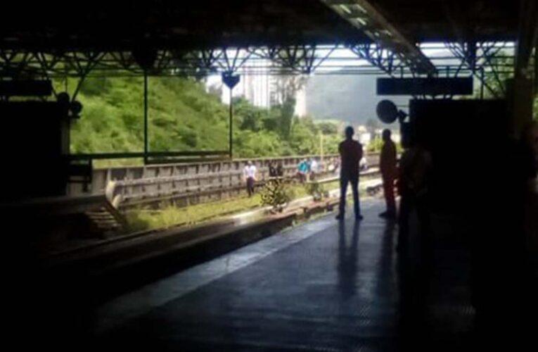Desalojados pasajeros del Metro por apagón