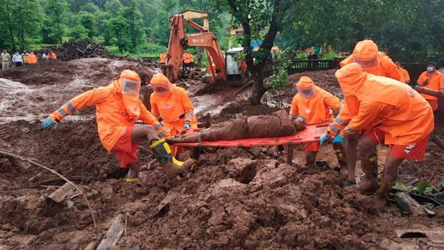 138 muertos por aludes de tierra e inundaciones en la India
