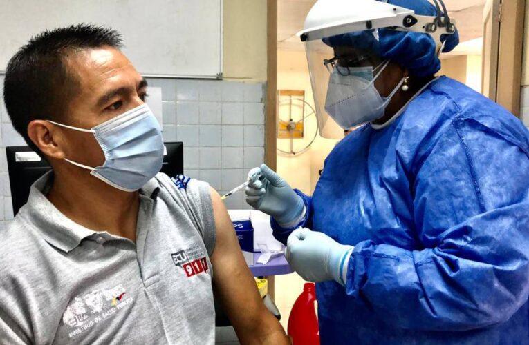 Inició vacunación masiva en Ecuador