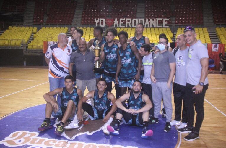 Spartans se impone en cuadrangular basketero de Bucaneros