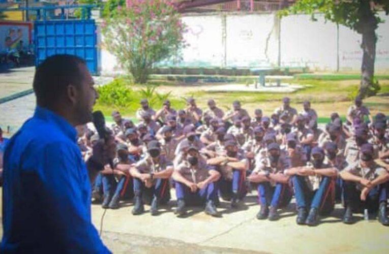 Terán realizó encuentro con estudiantes de la UNES